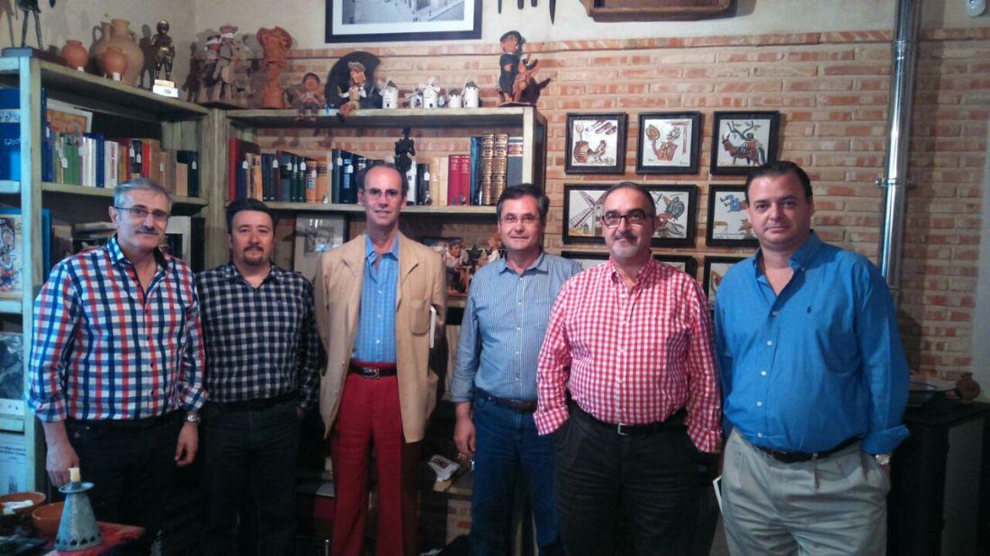 El historiador Fernando de Prado en la sede de la Sociedad Cervantina del lugar de don Quijote